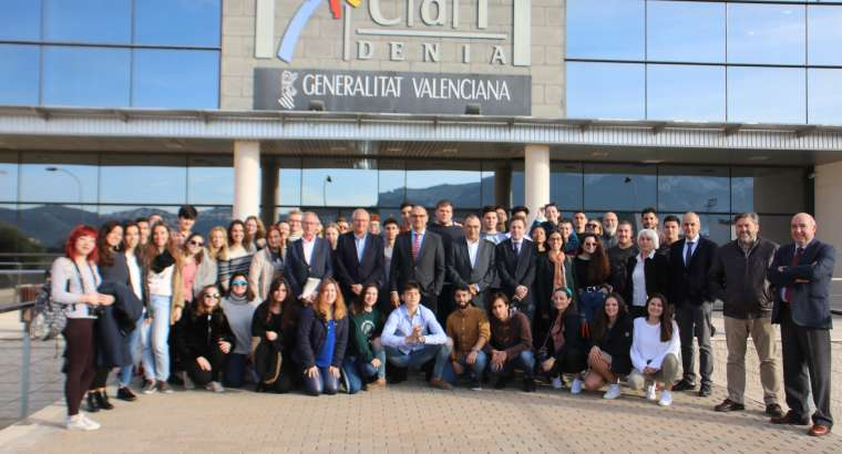 Alumnos de Gastronomía acaban una estancia de 15 días en el CDT de Dénia