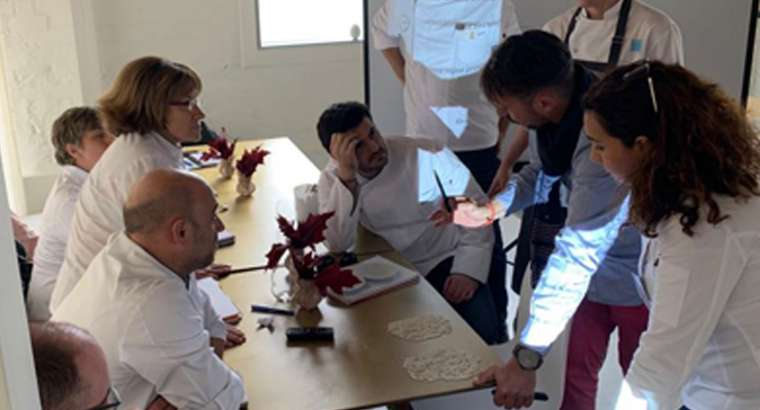 Cocineros y nutricionistas dialogan sobre gastronomía en Gasterra